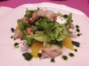 Салат с копченой масляной рыбой и апельсинами