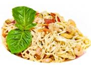 Спагетти с морским коктейлем с соусом