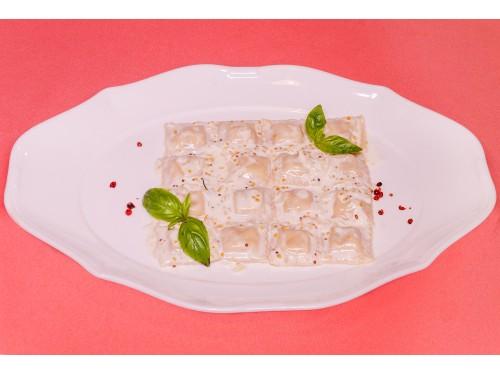 Равиоли с лососем  в сливочно-горчичном соусе
